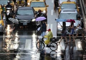 Япония - В Японии из-за сильного тайфуна отменили около 100 авиарейсов