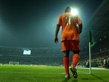 Роналдиньо одной ногой в Милане