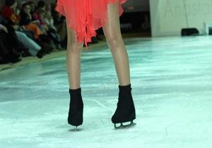 Модели на коньках. В рамках Ukrainian Fashion Week прошел ледовый показ