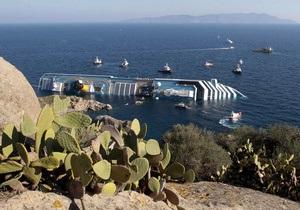Спасатели не могут извлечь с затонувшего в Италии Costa Concordia двоих людей