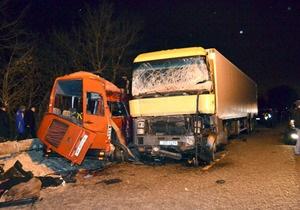 В больнице умер десятый пассажир микроавтобуса, столкнувшегося с грузовиком под Ровно