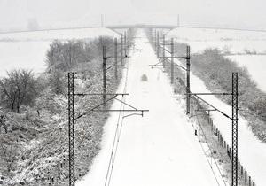 В Румынии и Болгарии из-за снегопадов застряли три поезда, следовавшие через Украину