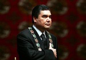 СМИ: Жителям Туркменистана запретили встречать Новый год в ресторанах