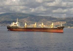 Сомалийские пираты захватили судно с украинской командой