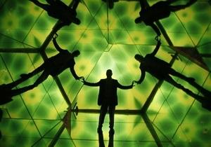 Ученый: К 2100 году появятся контактные линзы с доступом в интернет и магазины человеческих органов