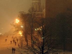 Из-за сильного снегопада почти по всей Москве парализовано движение