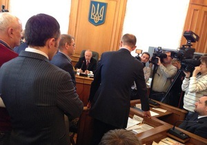 Власенко - Регламентный комитет - лишение мандата - Ефремов: Регламентный комитет подтвердил решение по делу Власенко