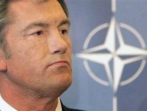 МК: Ющенко идет куда не звали