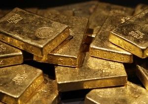 Золото устанавливает новые рекорды: Котировки выросли на 60 долларов за унцию
