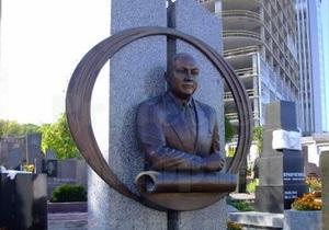 Арьев: В 2004 году помощник Януковича Кулик был отравлен