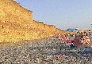 В результате оползня на пляже в Крыму погибла туристка с Волыни