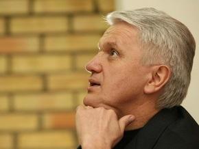 Литвин надеется, что события в Молдове станут сигналом для украинских политиков