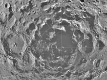 Лунный кратер оказался в два раза старее, чем считалось
