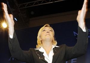 Ле Пен решила не поддерживать ни Саркози, ни Олланда