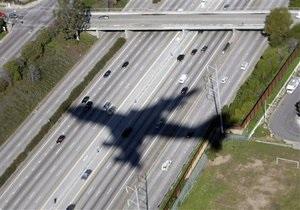 В Лос-Анджелесе пассажирский самолет совершил экстренную посадку из-за записки о бомбе