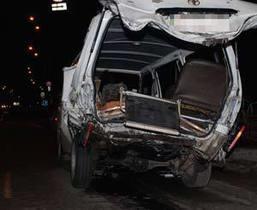 В Киеве Nissan врезался в машину скорой помощи