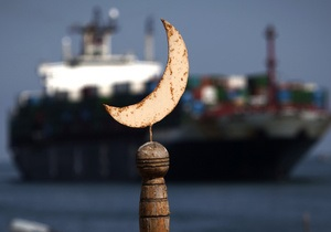 Египет задержал в Красном море судно с оружием из Израиля