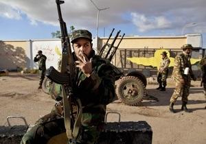 ВВС Ливии нанесли удар по оружейным складам в окрестностях Бенгази
