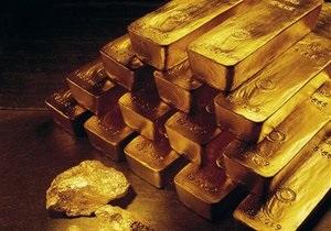 Цены на золото упали из-за дешевого евро