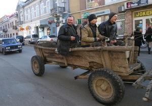 Корреспондент: Разница в уровне жизни между Киевом и провинцией превращается в пропасть