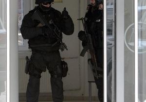 Десятки учреждений по всей Польше эвакуировали сотрудников из-за сообщений о бомбах