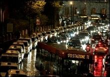 В Италии остановился транспорт