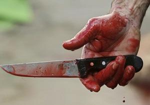 В Киеве вор при задержании воткнул в себя нож