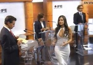 Декольте на теледебатах возмутило избирком Мексики