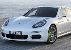 В Киеве представили новую версию седана Porsche Panamera