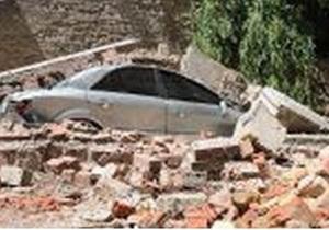 В центре Киева на автомобиль обвалилась 20-метровая стена (обновлено)