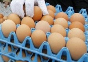 СМИ: В Луганской области пьяный регионал разбил о голову продавщицы лоток яиц