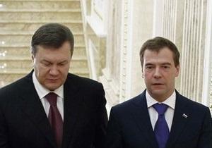 Янукович соболезнует Медведеву в связи с терактом в Домодедово