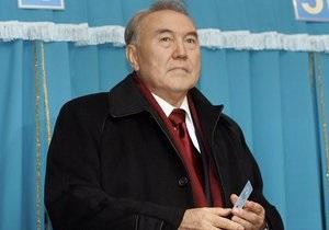 Назарбаев отказался от пожизненного статуса лидера нации