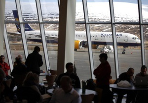 В следующем году прибыль авиакомпаний может упасть почти на треть