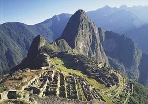 Оползни в Перу заблокировали в древнем городе инков 2 тыс. туристов