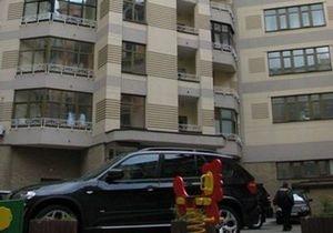 СМИ: Жители дома, в котором проживает Пшонка, задолжали за коммунальные услуги полмиллиона гривен