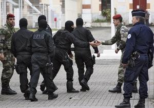 Во Франции задержали около 20 человек, подозреваемых в связях с исламистами