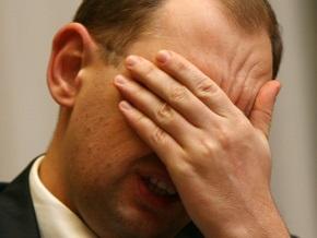 Яценюк предупредил, что Тимошенко и Янукович будут подкупать избирателей
