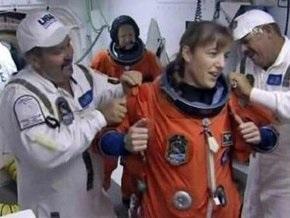 Ющенко поздравил американскую астронавтку украинского происхождения со стартом Endeavour