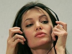 Анджелина Джоли ведет переговоры о съемках в Джеймсе Бонде