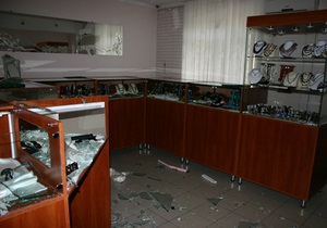 Задержаны преступники, совершившие резонансное ограбление ювелирного салона в Мариуполе