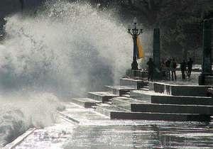На день выборов в Крыму объявлено штормовое предупреждение