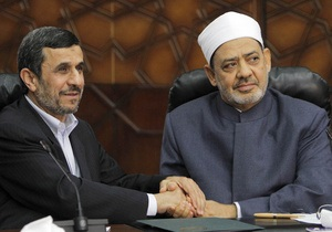 Главы Ирана и Египта встретились впервые после Исламской революции