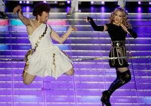 24-летний бойфренд Мадонны сделал ей предложение