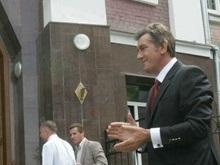 Фотогалерея: Аплодисменты пострадавшему Ющенко