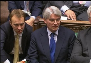 Британский министр подал в отставку из-за брани в адрес полиции