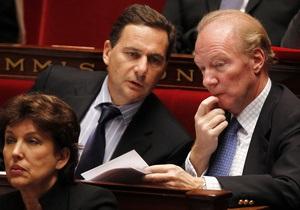 Французские парламентарии получили новогодние подарки из секс-шопа