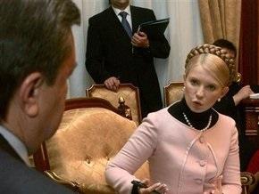 Опрос: У Януковича и Тимошенко примерно равные шансы на победу на выборах