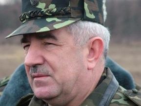 Ющенко представил военным нового начальника Генштаба армии
