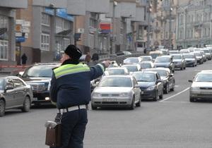 В Украине могут быть повышены штрафы за непристегнутый ремень и разговоры по телефону за рулем